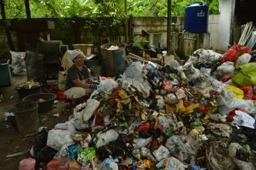 Di TPST3R sampah dipilah
